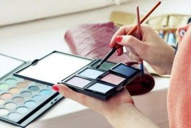 Componentes de cosméticos que devem ser evitados