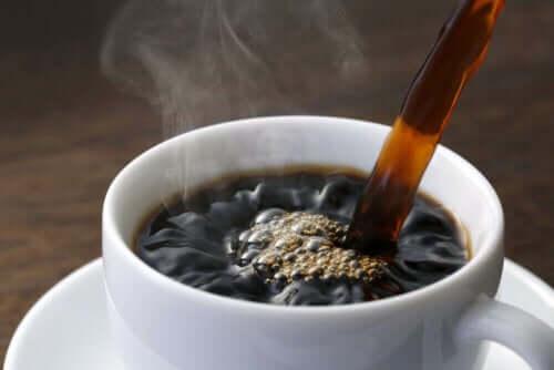 Qual a quantidade de café que você deve tomar para se manter acordado?