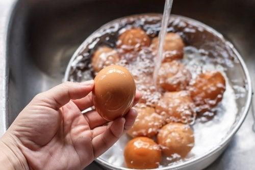 Preparação de ovos recheados