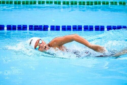 Dicas para manter uma respiração correta ao nadar