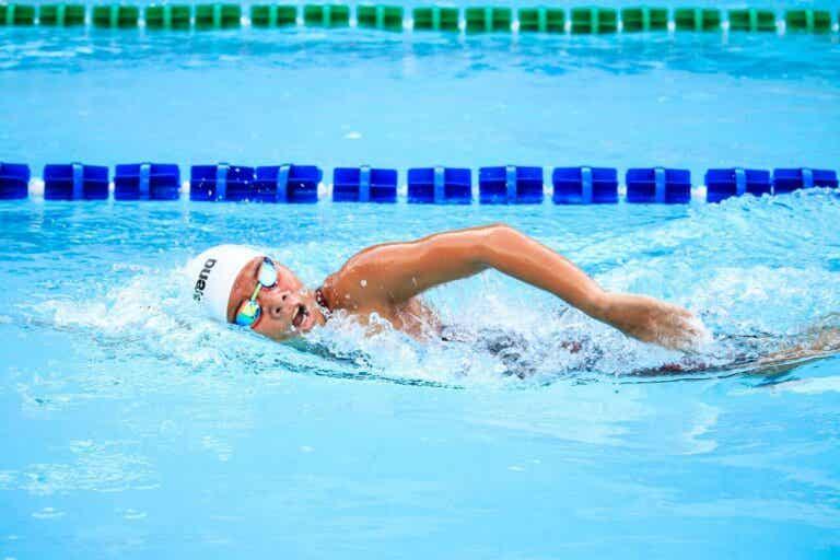 Como manter uma respiração correta ao nadar