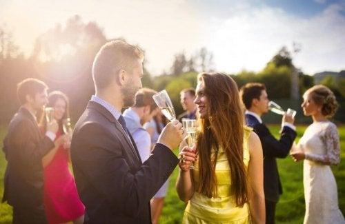 Formas de economizar no casamento: convide a quantdade certa de pessoas