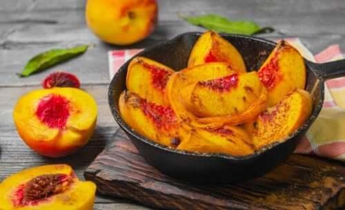 Duas deliciosas receitas com pêssego