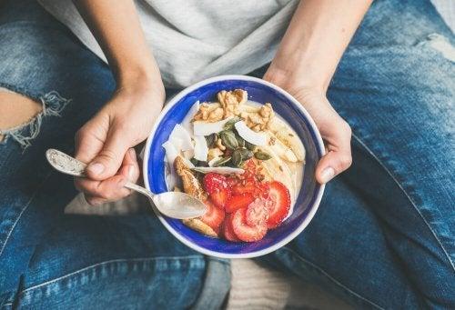 Erros na alimentação das crianças: Falta de rotina e horários das refeições