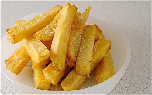 Se você tiver triglicérides, evite batatas fritas