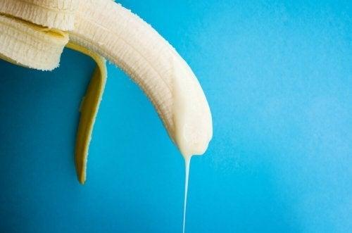 Na ejaculação retrógrada há uma entrada de sêmen para a bexiga, que impede a saída para o exterior.