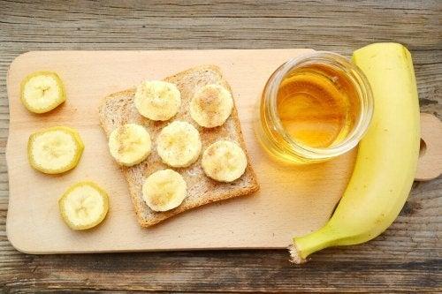 Banana, pão e mel