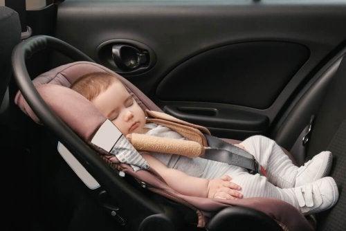 Adormeceu no Bebê Conforto