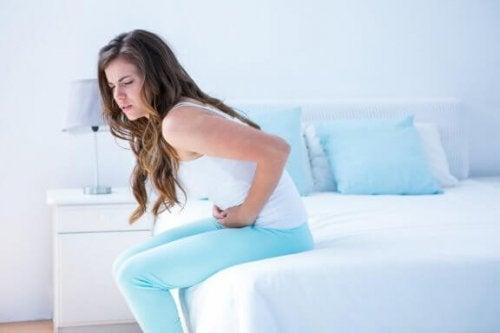 5 bebidas quentes para aliviar as dores menstruais
