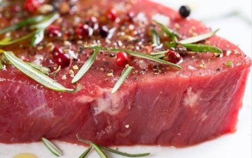 Carne marinada com especiarias