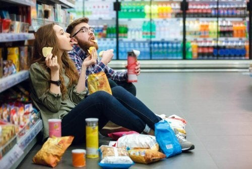 Não comprar comida quando estamos com fome