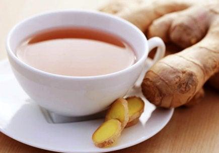Chá de gengibre para aliviar as dores menstruais