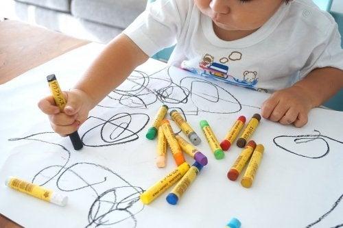 O desenho para as crianças: desenvolve a coordenação do cérebro, olho e mão
