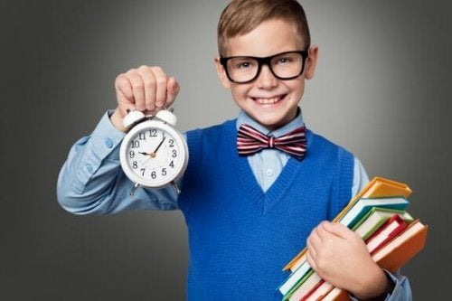 Como ensinar seu filho a fazer bom uso do tempo
