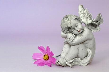Não deixe de lembrar seu filho durante o luto perinatal