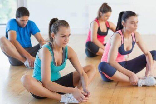 3 exercícios para ganhar mais flexibilidade nas pernas