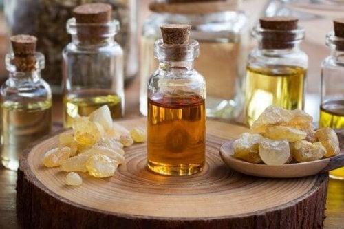 Incríveis benefícios do óleo essencial de incenso