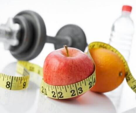 Uma mudança simples é comer saudável e fazer exercícios