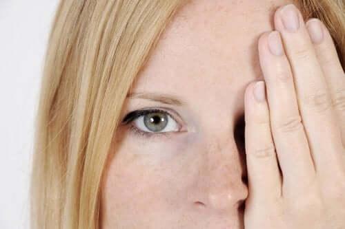5 fatores que causam manchas no rosto