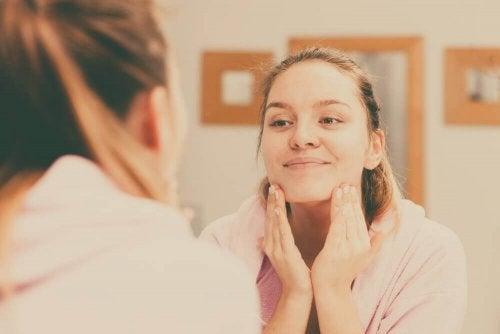 4 dicas para manter uma pele limpa e macia