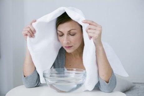 Realize banhos de vapor para limpar os pulmões