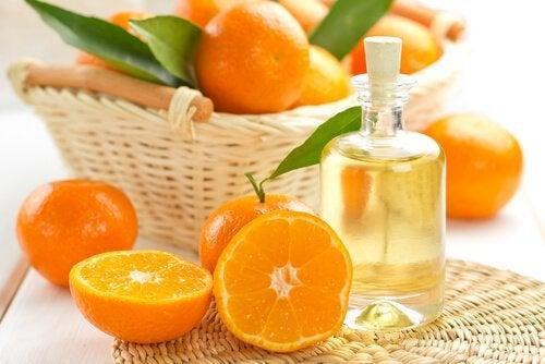 Protetor de óleo de jojoba e tangerina para proteger o cabelo
