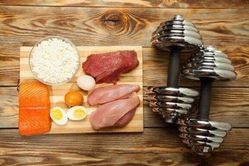 10 alimentos que você deve comer se quiser ganhar massa muscular