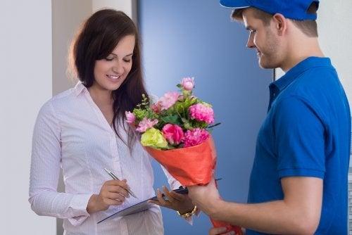 Presente pelo correio para o parceiro à distância