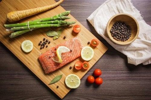 O salmão não deve faltar na dieta do seu filho.