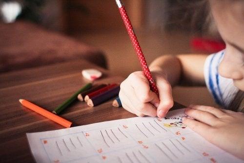 Copiar ajuda a aprender a escrever direito