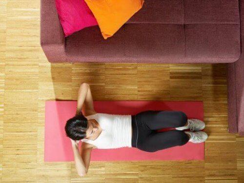 5 maneiras de treinar os abdominais sem complicação