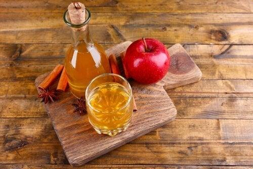 As hérnias podem ser atenuadas com vinagre de maçã