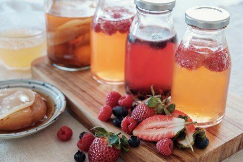 5 receitas fáceis para preparar uma infusão de frutas