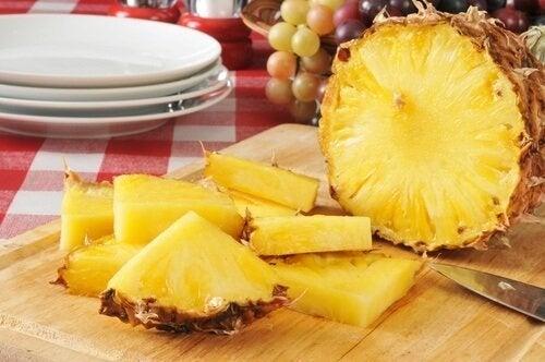 O abacaxi é ótimo para prevenir artrite
