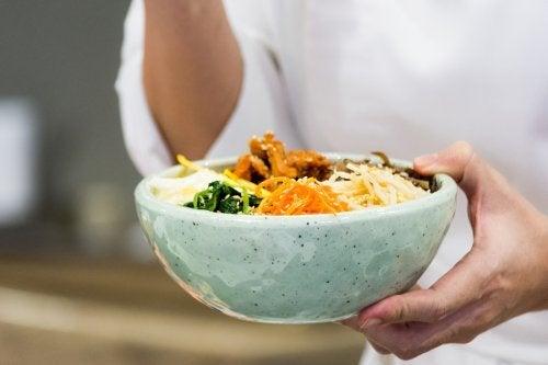Requintado arroz coreano ou Bibimbap