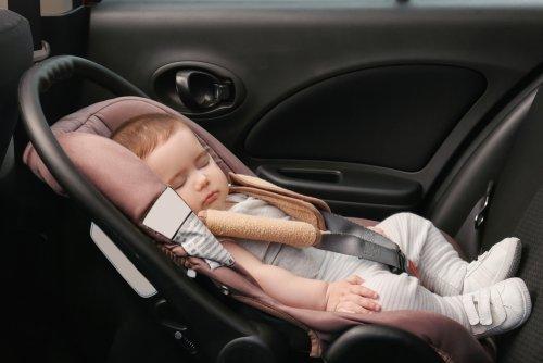 Viagem longa de carro com bebê