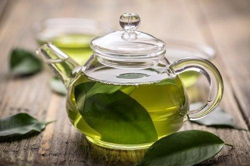 Chá verde contra a gastrite