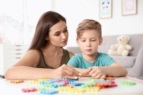 Crianças com autismo: 4 exercícios importantes