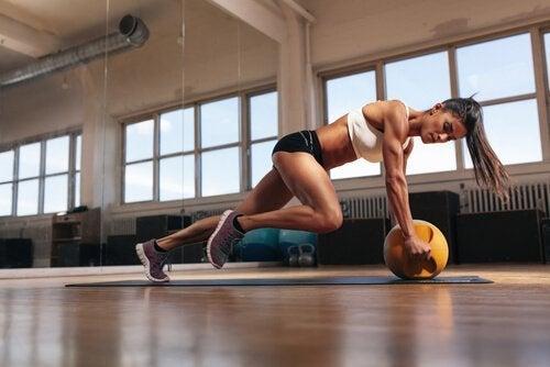 Exercício com pesos gera ácido láctico