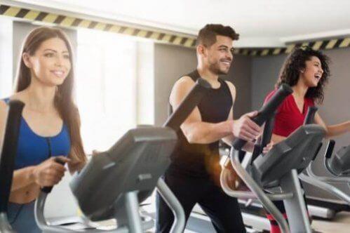 5 exercícios que não afetarão as suas articulações
