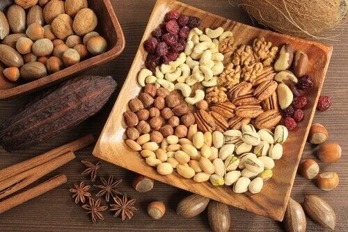 Frutos secos são parte da dieta vegana crua