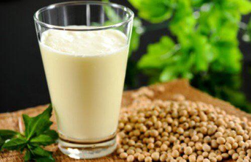 Leite de cânhamo: nutrientes, benefícios e receita