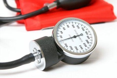 Aparelho para medir a pressão
