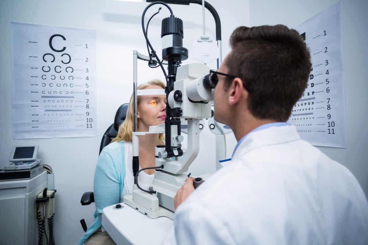 Diagnóstico e prognóstico da degeneração macular relacionada à idade