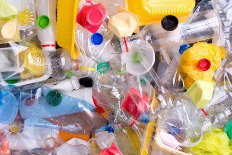 Tente evitar embalagens de plástico
