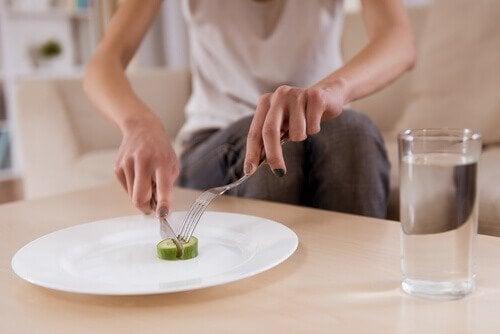 Sintomas de doenças mentais: modificações nos hábitos alimentares