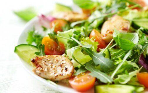 4 receitas de saladas mistas que deveria provar