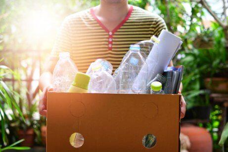 Comece a reutilizar embalagens para reduzir o lixo