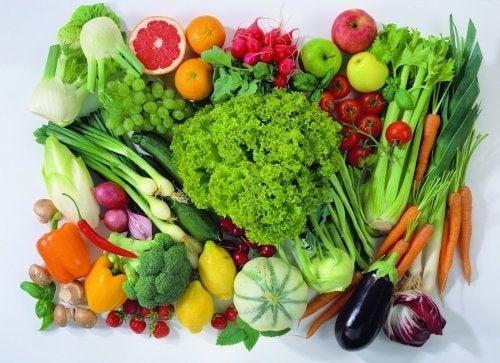 Inclua frutas e verduras na alimentação de seu filho