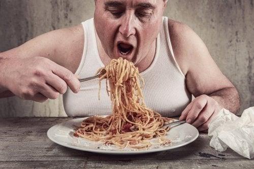 A velocidade com que comemos influencia no peso?